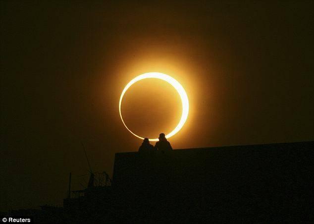 solareclipse0_2949d6cf-5056-a36a-0a10d46ff8064f3f